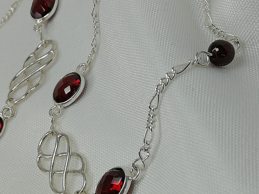 Handmade Faceted oval garnets bracelets