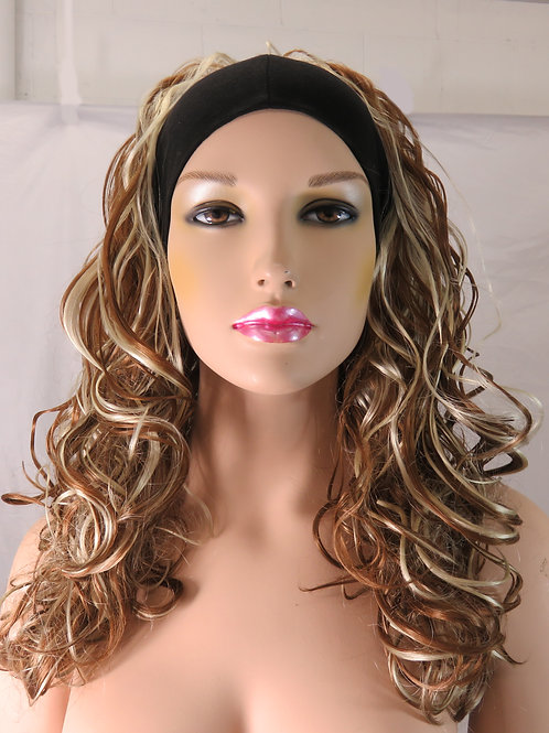 Ladies Sporty Wig in Blonde Highlights