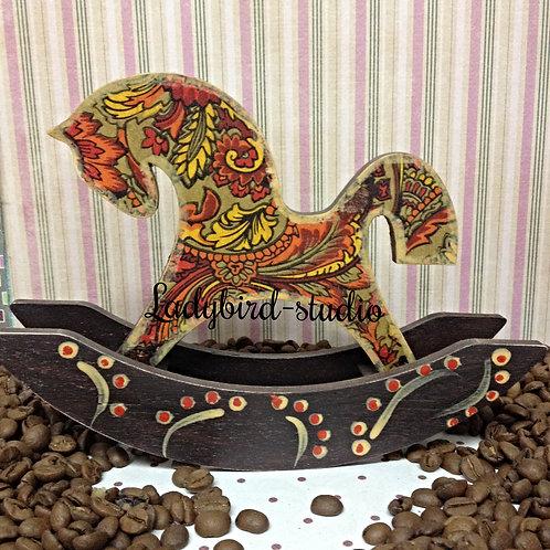 Декупажная лошадка