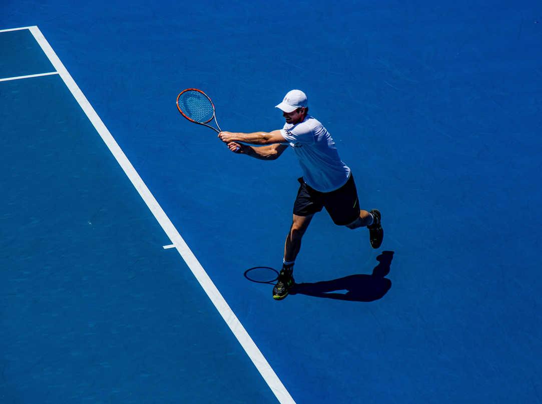 การแข่งขันเทนนิส