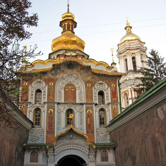 ilovemycity_kiev_lavra_entrance.jpg