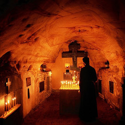 ilovemycity_kiev_lavra_caves3.jpg