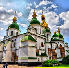 saint-sophia-cathedral-outside-summer-il
