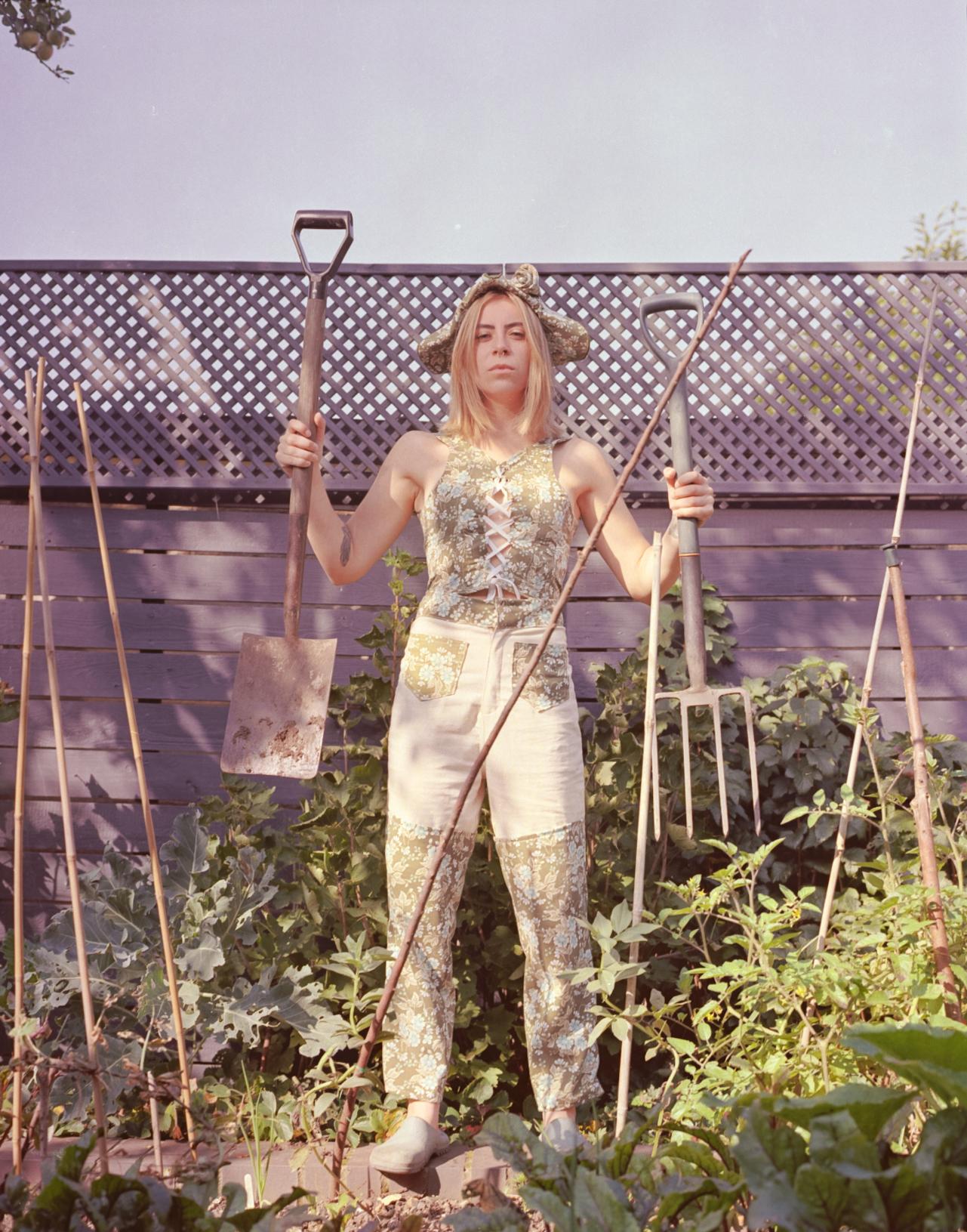 Rea Wearing Rosie Evans Hmaebuckingham-1