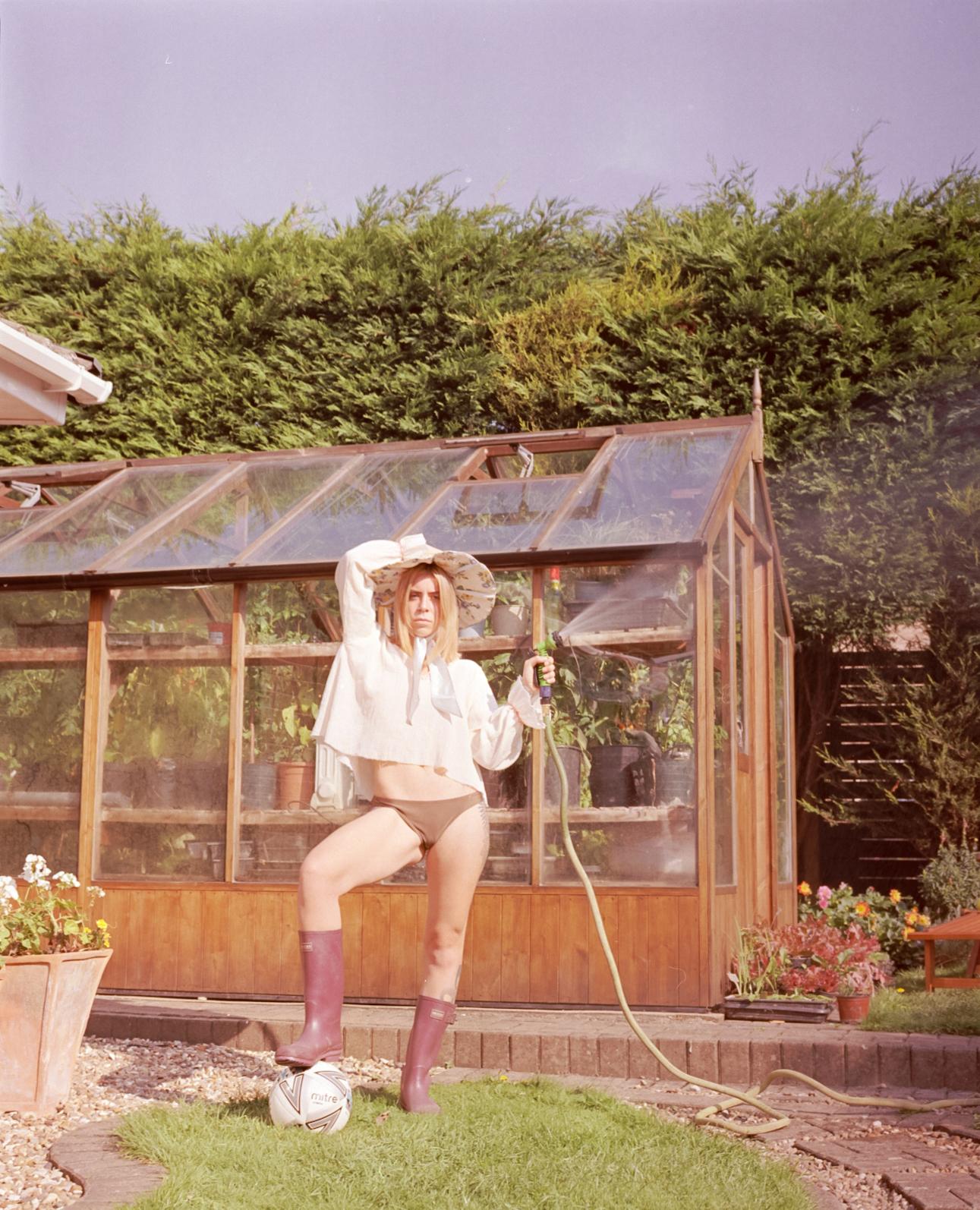 Rea Wearing Rosie Evans Hmaebuckingham-0