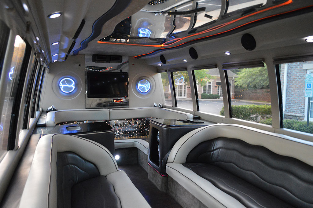 20 Passenger Party Bus Limo