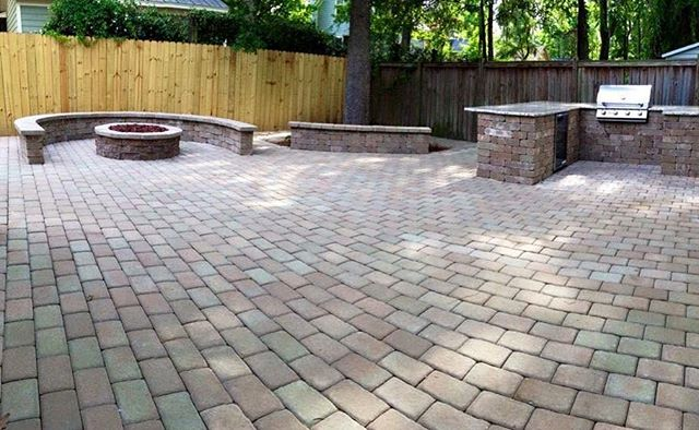 Beautiful paver patio complete with fire pit and grill station #stacksnursery #youknowyouwantthis