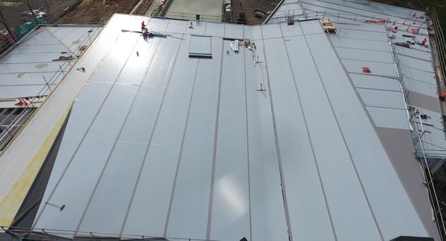 Cambridge Pool Kingspan Warm Roof. TPO Enviroclad Membrane Overlay. Evo Panel Architectural Wall Panels 2