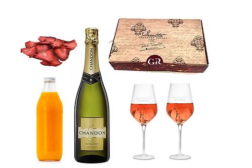 Kit de Mimosas Chandon con copas y caja especial de panadería.