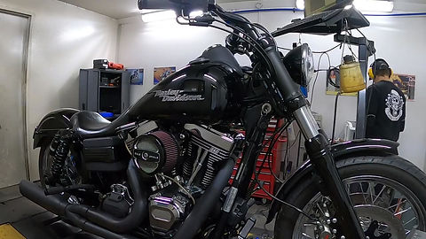 S&S T143 in a 2009 Dyna. Break in on the dyno.