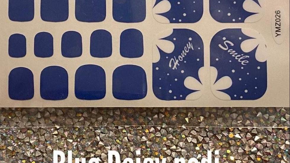 Blue daisy pedi
