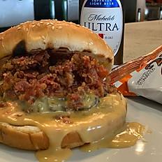 Queso Bacon Burger