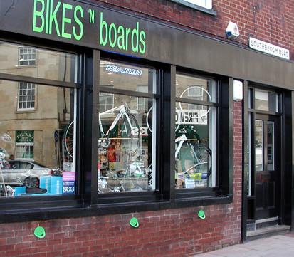 smile bikes n boards jan 2010.jpg