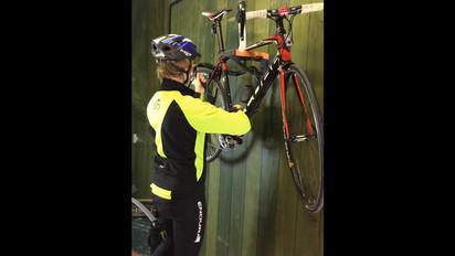 lock up a bike video