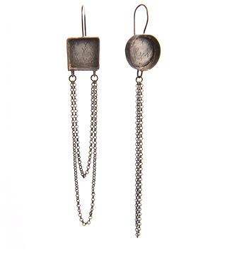 Earrings 321x3745.jpg