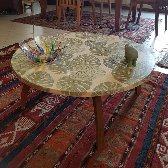 Piano tavolo foglie (diametro cm. 75).