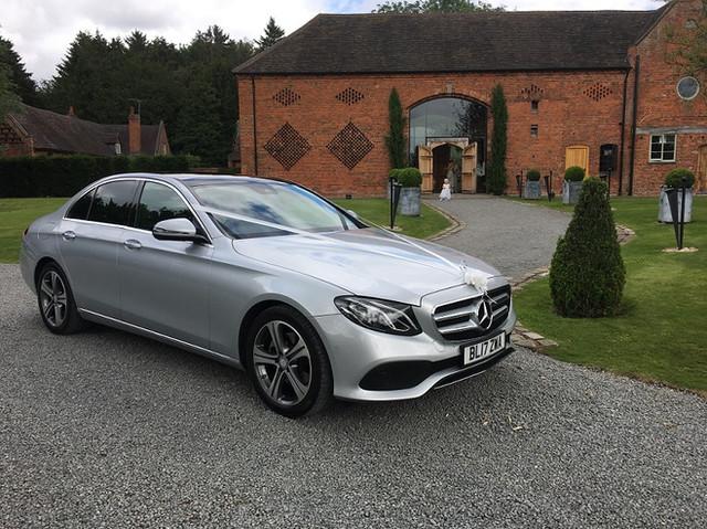 Mercedes E Class-Wedding-car-01.jpg