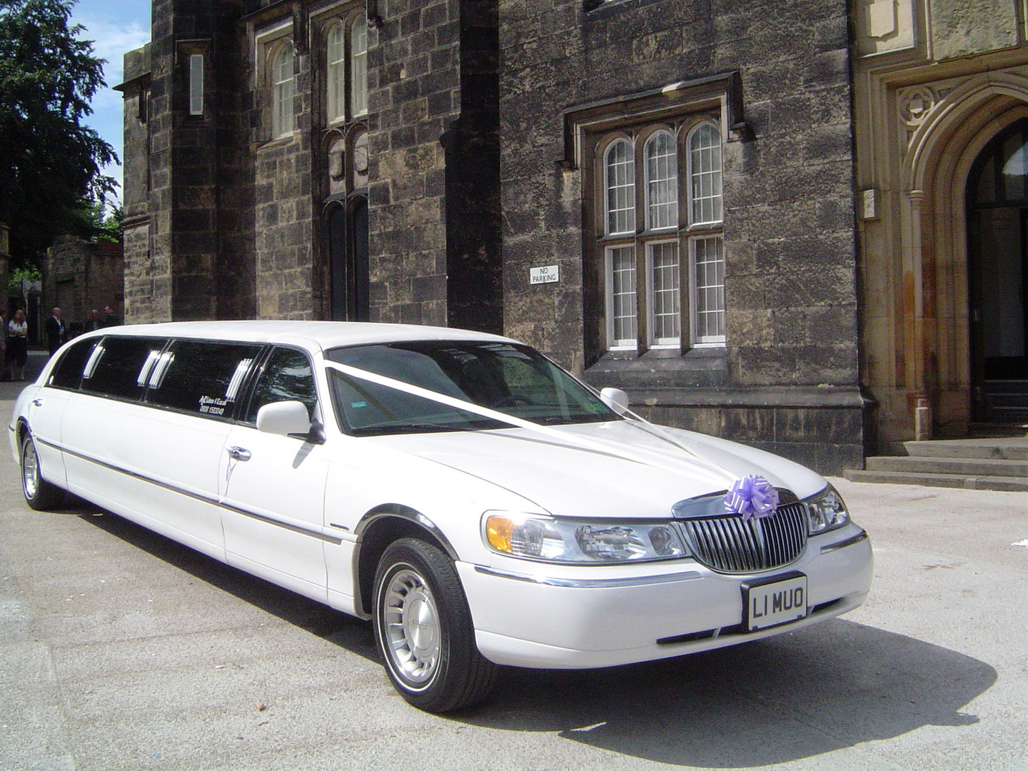 Stretch Lincoln Limo