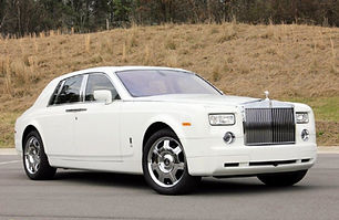 White-Rolls-Royce-Phantom01.jpg