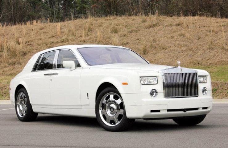 White-Rolls-Royce-Phantom01.jpg