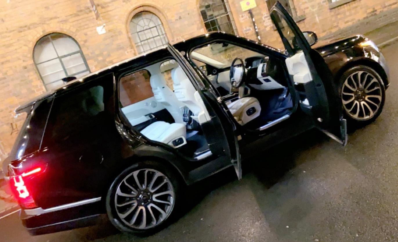Black-Range-Rover-Vogue-Wedding-car-02.j