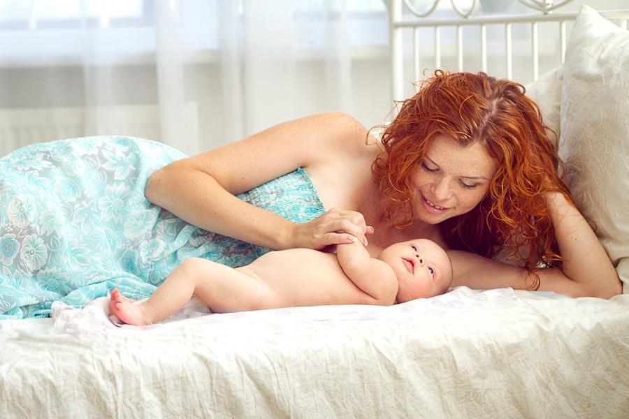 Нежная фотосессия для мамы и малыша