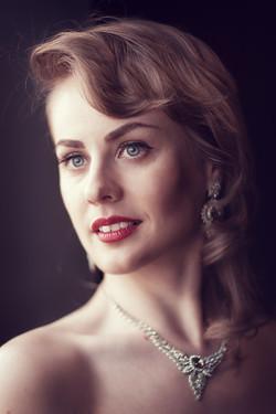Женский портрет в стиле ретро