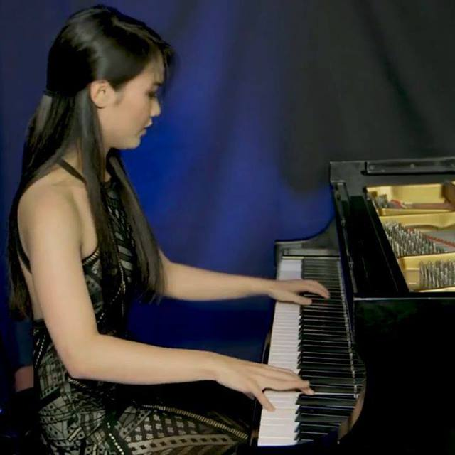 Rieko Tsuchida's intricate dynamics on the high notes in this short passage from my Etude II in C minor. You can watch the complete piece at https://www.maarder.com/videos. Enjoy! #riekotsuchida #piano #pianotechnique #pianist #etudes #virtuoso