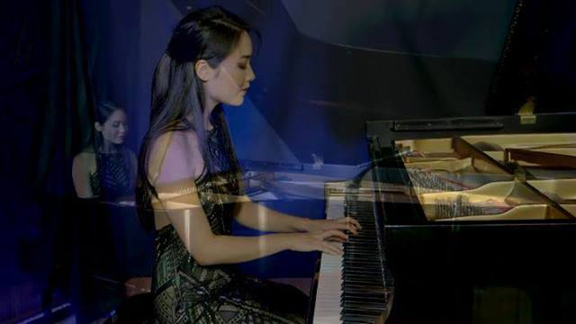 "One of many moments showcasing Rieko's perfect technique, here in my Etude in E minor, ""Montmorency"". Have you seen the complete performance? Please visit www.maarder.com/videos and check it out! @rieko_tsuchida  @instaclassical  @instaclassical2 #mu"
