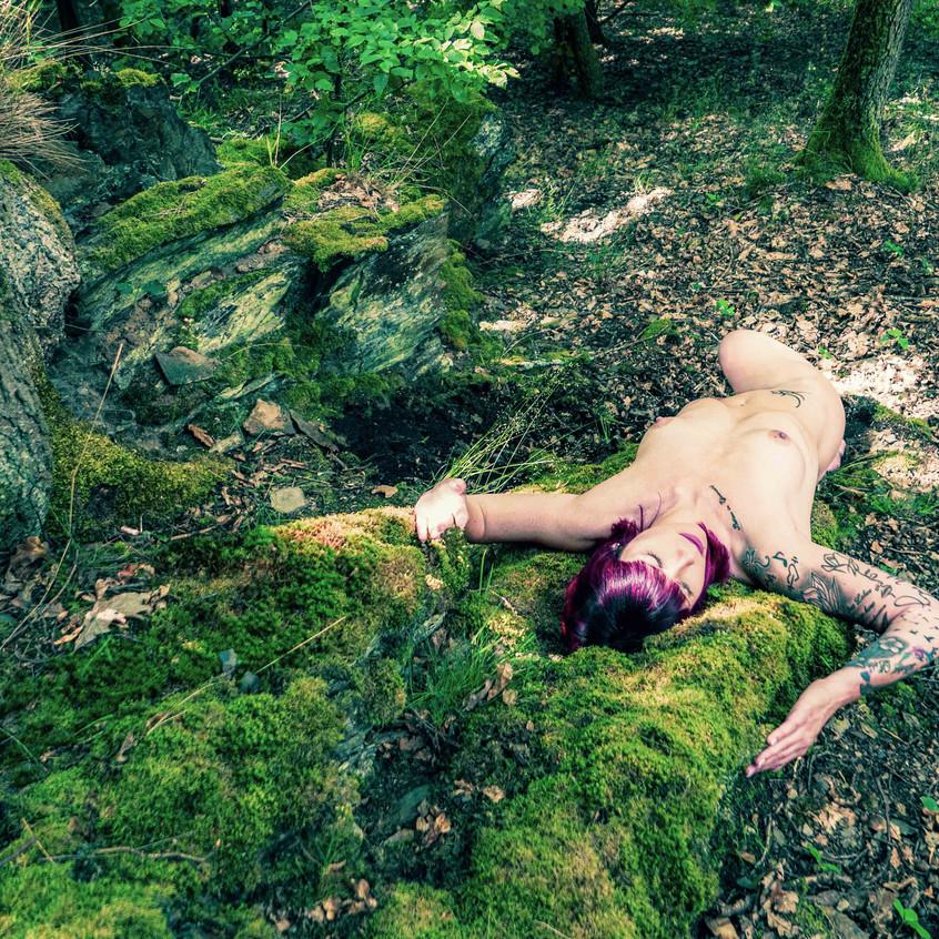 Aktfotoshooting im Wald