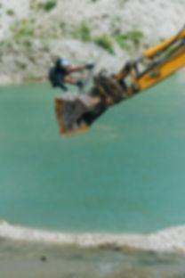 dom_fallingrocks_redbull_wakeboarding.jpg