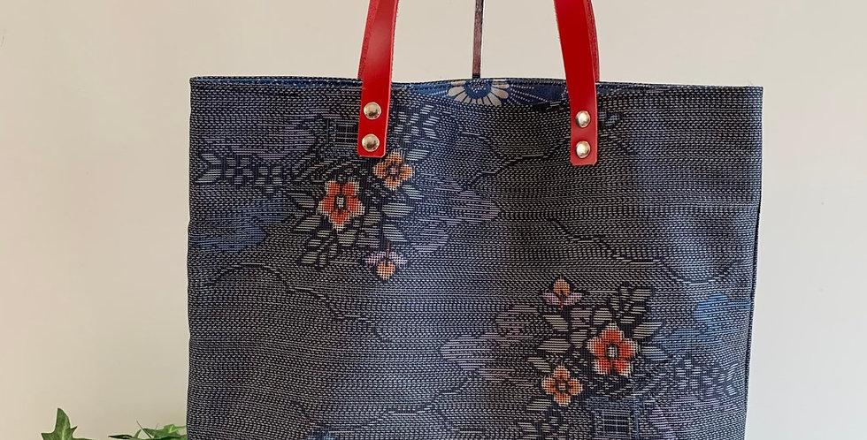 B09 グレーと赤い花のトートバッグ
