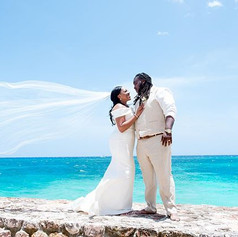 Love in Paradise.. 👰🏽❤️🤵🏾_#ParteePho