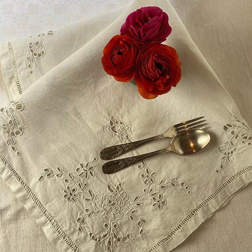 Beautiful hand embroidered French linen métis tablecloth