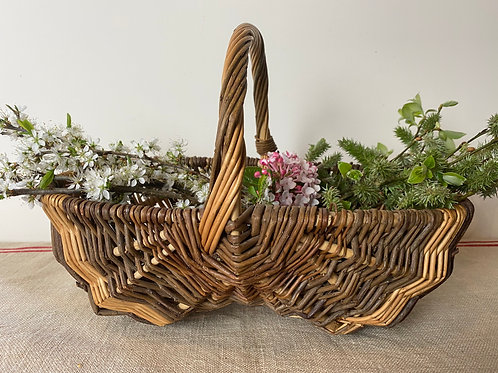Wicker French vintage mushroom basket