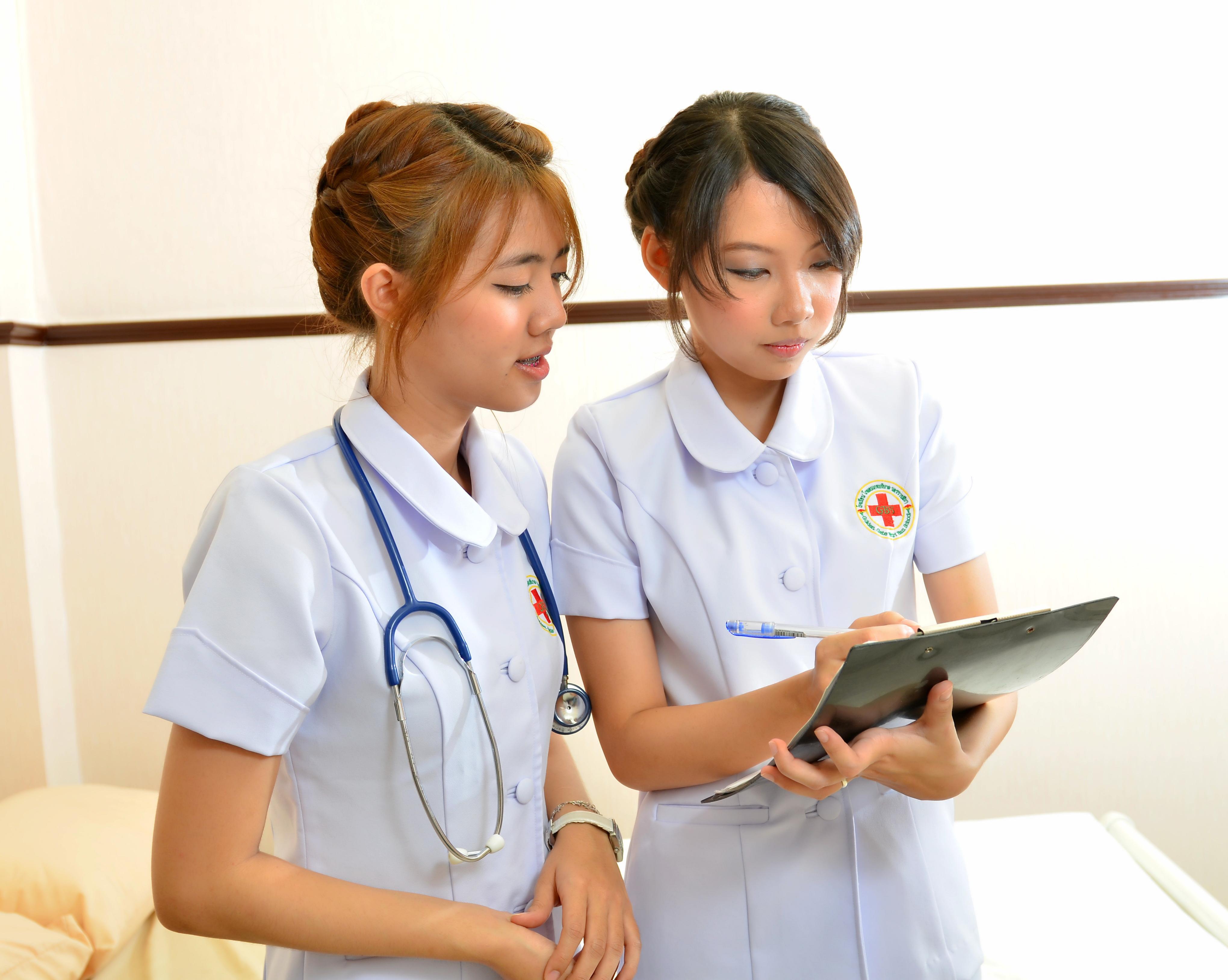 เรียนผู้ช่วยพยาบาล บริบาล