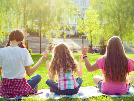 8 Ways to Engage your Family in Mindfulness!