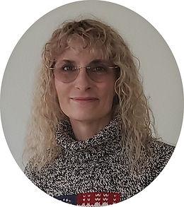 Pam Delay portrait round.jpg