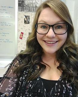 Katie Lindsey portrait.jpg