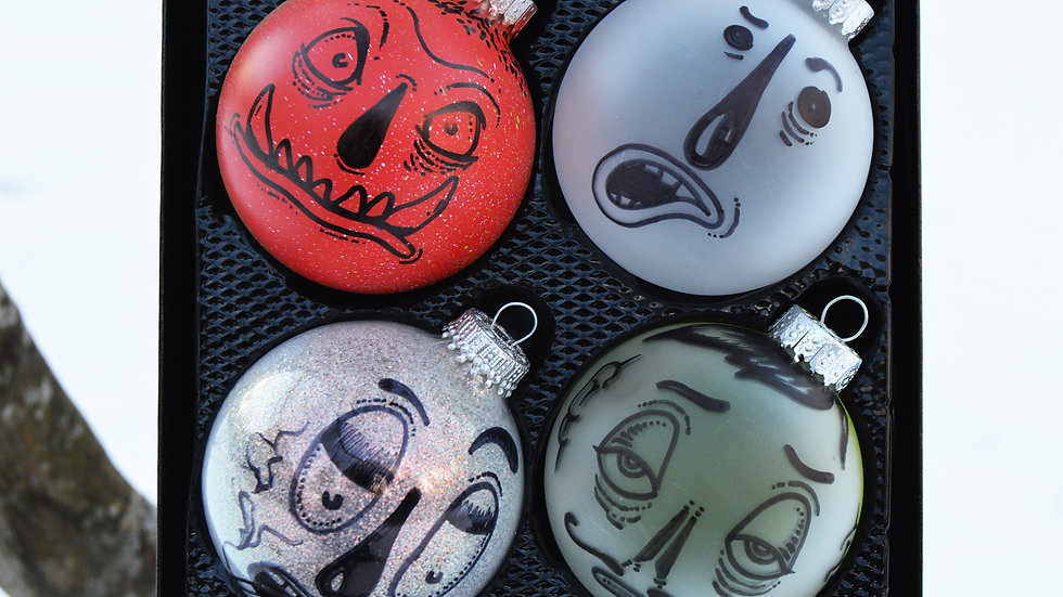 8 Customized Holiday Ornaments