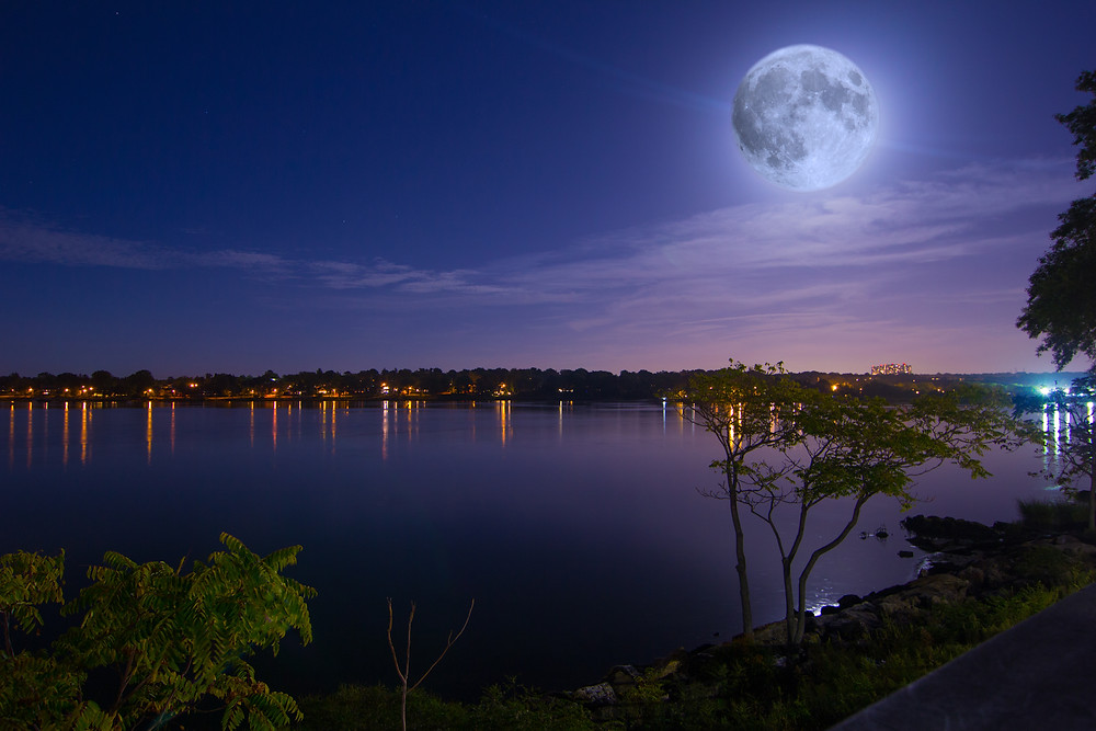 Supermoon over Bayside, Queens