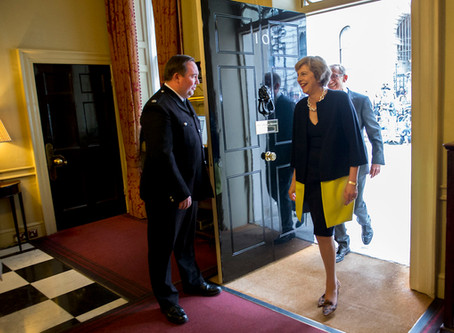 Conservative Young Women Thank Theresa May As She Leaves No10