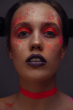 Leonie Beauty Cover Story 90s Neon messy