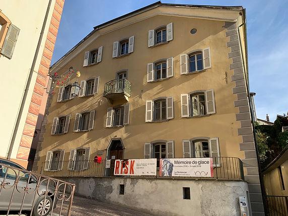 Architecture Transformation d'un bâtiment en vielle ville maison Blatter