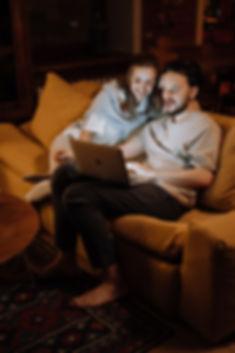 couple-love-laptop-typing-4009024.jpg