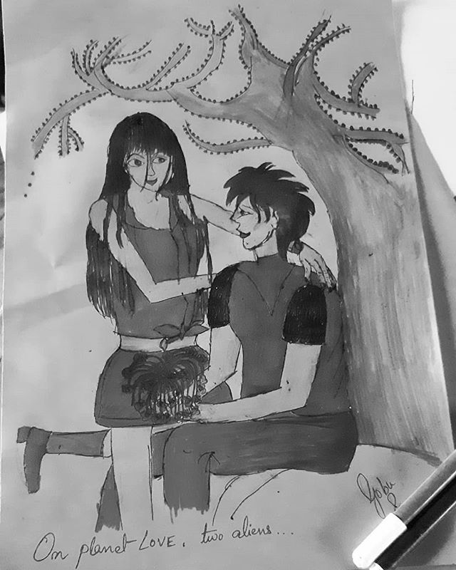 Two anime` aliens in love.