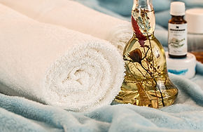massage-therapy-1612308_1920.jpg