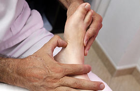 foot-reflexology-3781151_1920.jpg