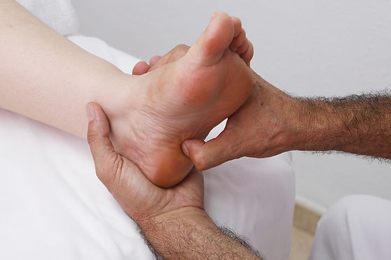 foot-reflexology-3781179_1920.jpg