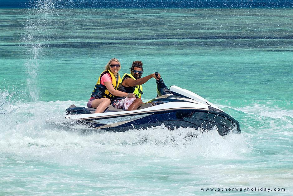 Pronájem jet-ski, vodního skútru na Maledivách